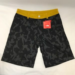 The North Face Morphious Hybrid Shorts Men's Black